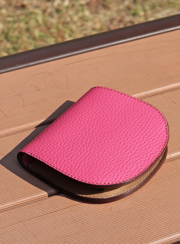 二つ折り財布(馬蹄形) シュリンクレザー