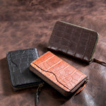 Square-coin-case-with-external-partition-oil-croco